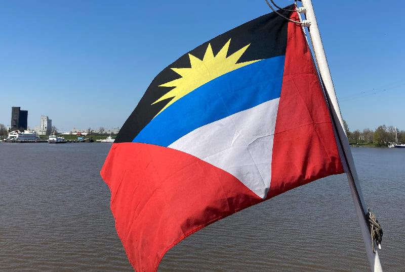 Flagge auf dem Schiff
